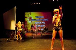 """""""Western Society"""" di Gob Squad, al Festival Teatro a Corte (foto: David Baltzer)."""
