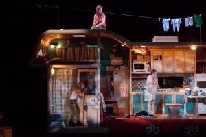 """Napoli Teatro Festival Italia, """"Dinamo"""" di Claudio Tolcachir (foto: GC Ag. Cubo)."""