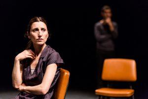 """Monica Piseddu in """"Ce ne andiamo per non darvi altre preoccupazioni"""" (foto: Gabriele Zanon)."""