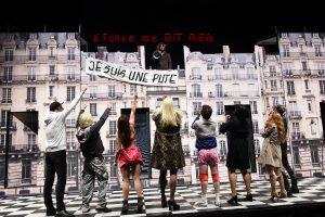 Les Parisiens, regia Olivier Py, Festival d'Avignon 2017.