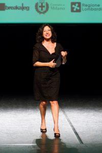 Giuliana Musso ritira il Premio Hystrio alla Dramamturgia 2017 (foto: Marina Siciliano).